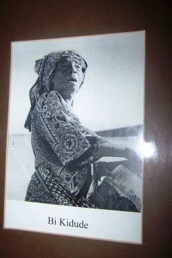 Bi Kidude, die Ikone der Taraabmusik