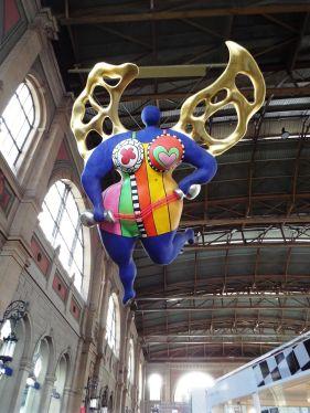 Kunst von Niki de Saint-Phalle im Züricher Hauptbahnhof
