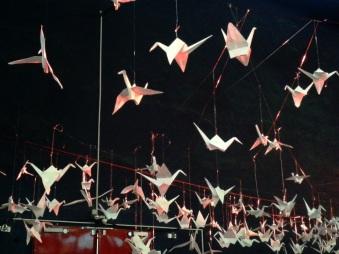 Origami-Kraniche auf dem Leipziger Hipster-Weihnachtsmarkt im Kohlrabizirkus