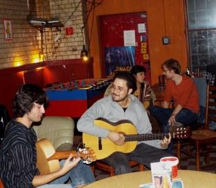 """Konzert von Giancarlo und Félix alias """"Dos Voces"""""""