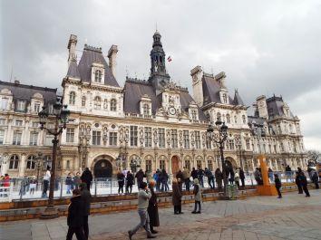 Schlittschuhlaufen vor dem Rathaus