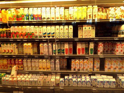 selbst die Milch- und Joghurtpackungen sind durchgestylt