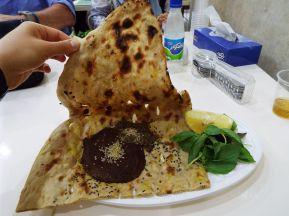"""nein, das ist kein Kuhfladen und auch keine """"tote Oma"""", sondern die kulinarische Spezialität von Isfahan namens """"Beriani"""""""