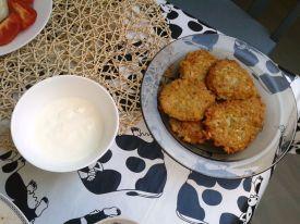 Kartoffelpuffer und Sahne
