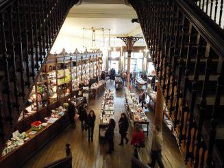Buchladen in ehemaliger Apotheke