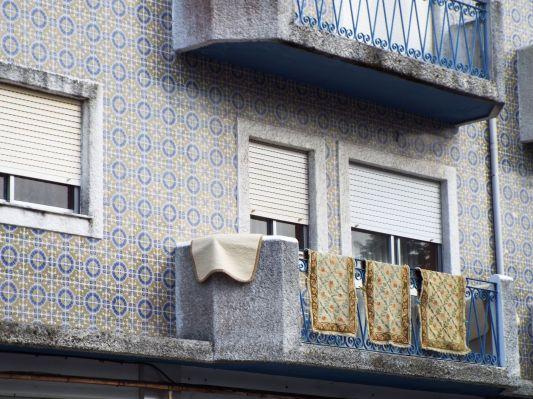 Teppichmuster passend zur Häuserwand