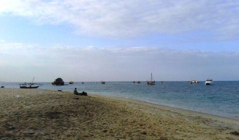 Am Strand von Stone Town