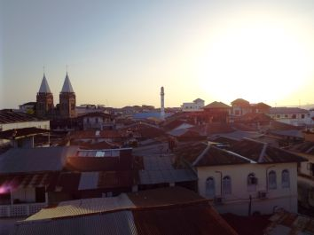 """Sonnenuntergang auf der Terrasse des """"Maru Maru"""""""