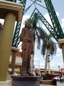 Die obligatorische Duarte-Statue
