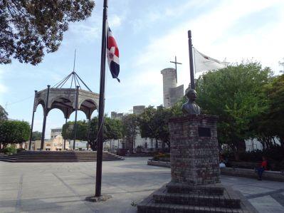 Parque Duarte mit der Catedral Inmaculada Concepción (Kathedrale der unbefleckten Empfängnis)