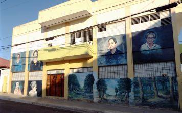 Die ersten Wandmalerein (Murales)