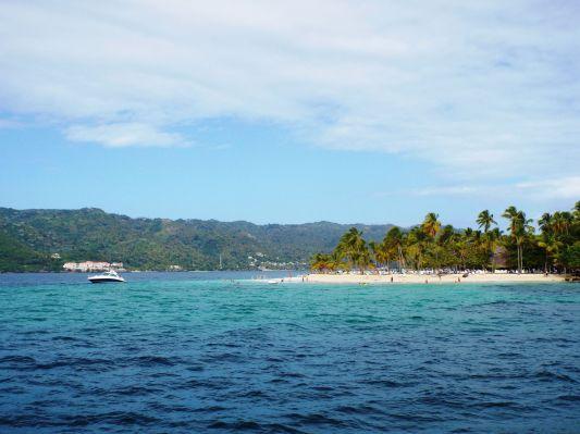 """Strand der """"Bacardi""""-Insel Cayo Levantado"""