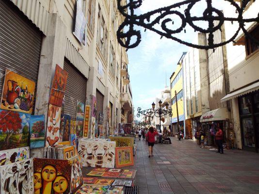 El Conde, die Einkaufsstrasse der Kolonialzone