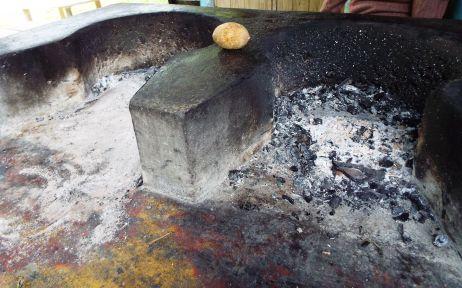 Ein traditioneller Brennholzofen