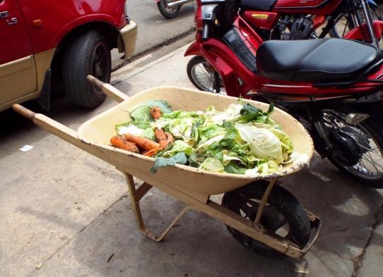 Eine Schubkarre Gemüse bitte!