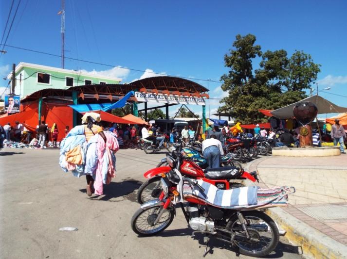 Haitianischer Markt in der Grenzstadt Comendador