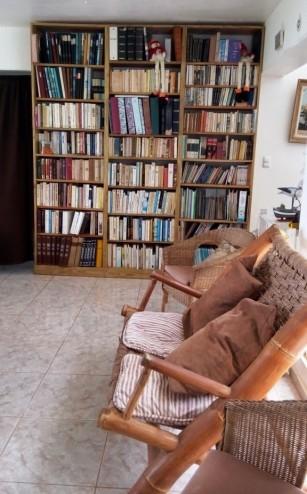 Bücher en masse in unserer AirBnB-Unterkunft