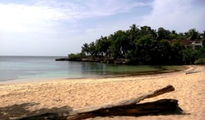 Kleiner Strand von Río San Juan