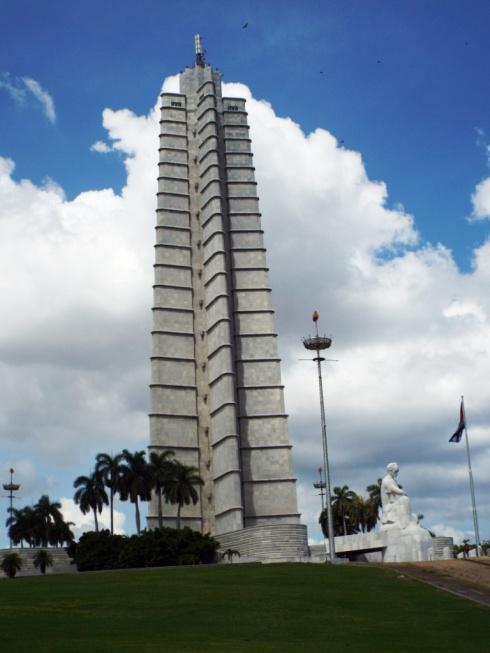 Turm auf dem Plaza de la Revolución