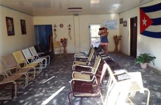 Die Wartehalle im Mini-Bahnhof von Trinidad