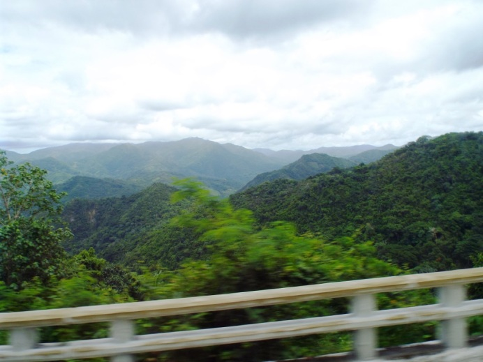 Durch die Berge von Santiago nach Baracoa