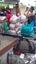 Kubanisches Übergepäck am Flughafen in Santo Domingo