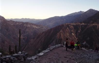 Aufstieg aus dem Canyon kurz nach Sonnenaufgang