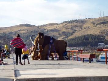 Huch, ein Mammut in Puno!