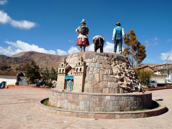 Dorfplatz von Maras