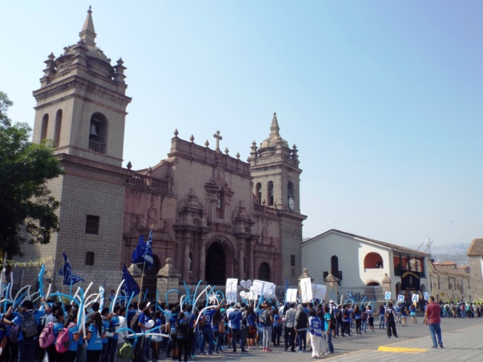 Kathedrale mit Schülerparade