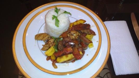 Lomo Saltado, eines der typischen peruanischen Gerichte