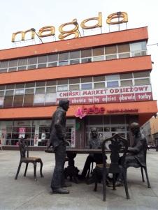 Denkmal für die drei bekanntesten Industriellen der Stadt; Grohman, Scheibler und Poznański