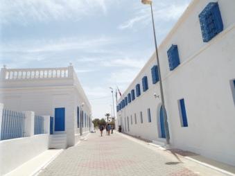 Vor der Synagoge Al-Ghriba