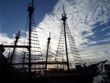 Ausflugsschiffe in der Marina