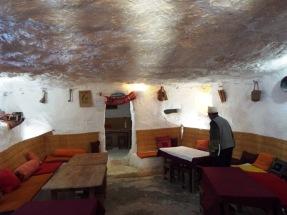 Mittagspause im Höhlenrestaurant