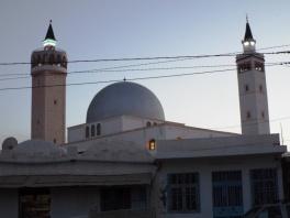Moschee gegenüber von Ksar Hadada