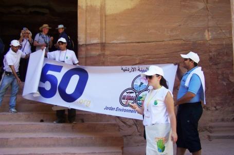 Jordanische Umwelt-NGO im Einsatz zum Müllsammeln